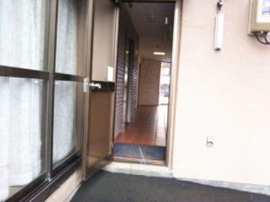 後方のドア